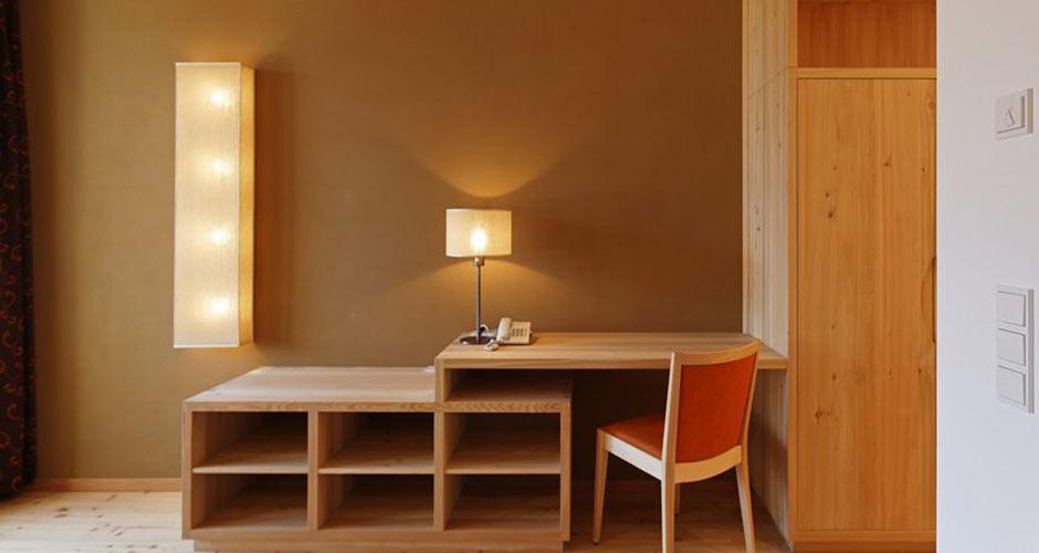 Biohotel Theiners Garten - Sitznische mit Lehmwand - idealer Luft-Feuchteausgleich