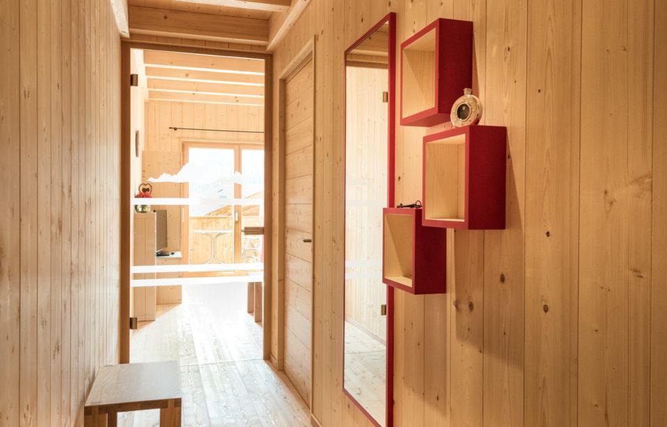 Chalet Rudana - Korridor in purem Holz