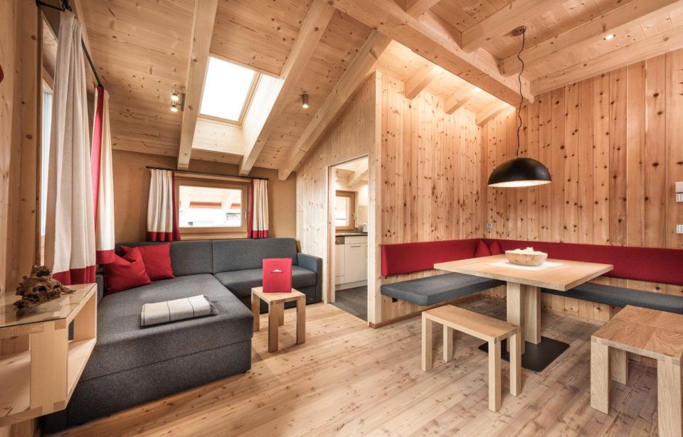Chalet Rudana - gemütliches Vollholz-Wohnzimmer