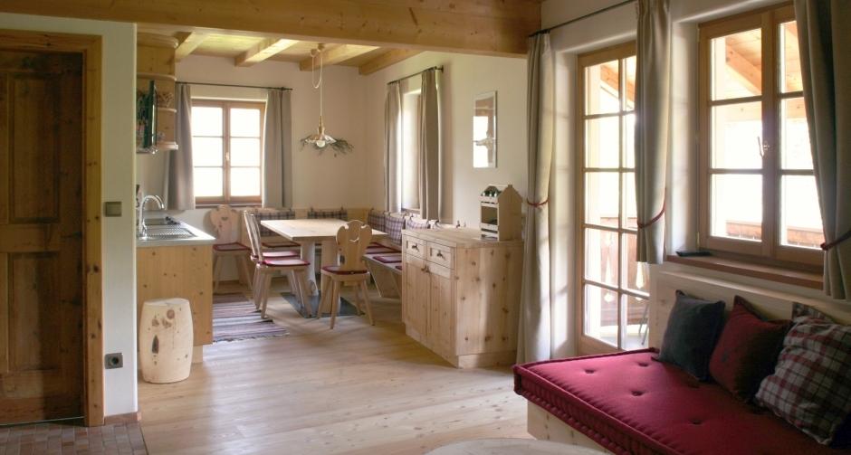 holzius - Wohnzimmer Küche Massivholzmöbel aus Zirbe