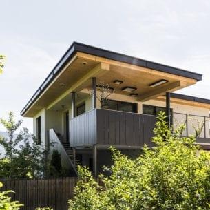 Außenansicht eines holzius Massivholzhauses in Eppan - Südtirol