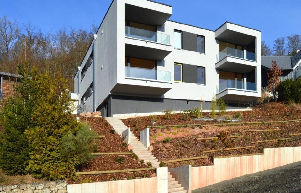 Büro- und Mehrfamilienaus Bad Brückenau - Bayern. Ferienwohnung in Vollholzbauweise