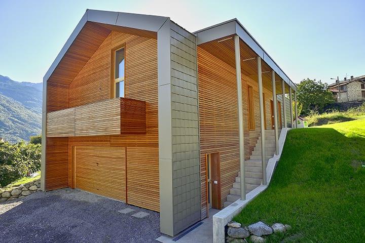 Holzhaus - Einfamilienhaus aus leim- und metallfreien Massivholzelementen von holzius